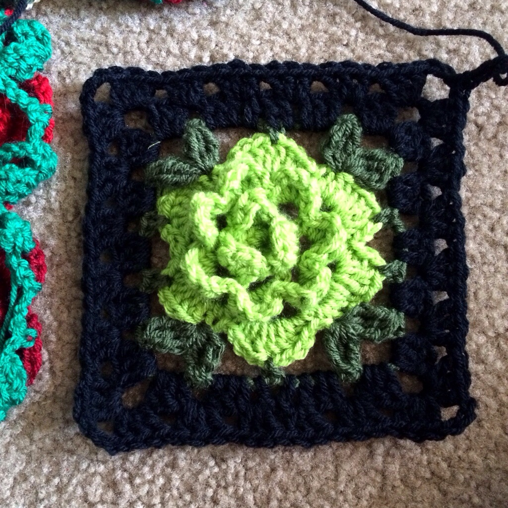 Free crochet pattern for granny square rose manet for rose granny square free pattern cypresstextiles bankloansurffo Images